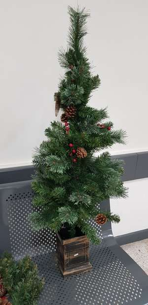 4ft Mixed Tips Potted Artificial Christmas Tree with Berries  - £1 in Wilko instore Bournemouth Town Center