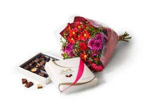 Tesco valentines day gift bundle -  Flower Bouquet and Lindt Master Chocolatier Collection for £10