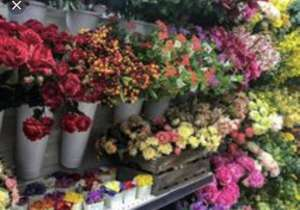 Tesco valentines flowers 75% off - big bunch worth £25 now just £6.50  instore