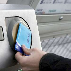 Millions of pounds laying around on your Oyster Cards  - Claim your money back!
