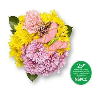 Wonderful Mum Bouquet £4 (+ 25p goes to NSPCC) instore from 28th March @ Lidl  - Daffodils 95p / Dozen Large Roses £3.30 - Mother's Day?