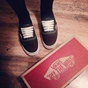 Vans Unisex Adults' Authentic Lo Pro Classic Canvas Trainers Sizes 3 6 7 & 9 @ Amazon