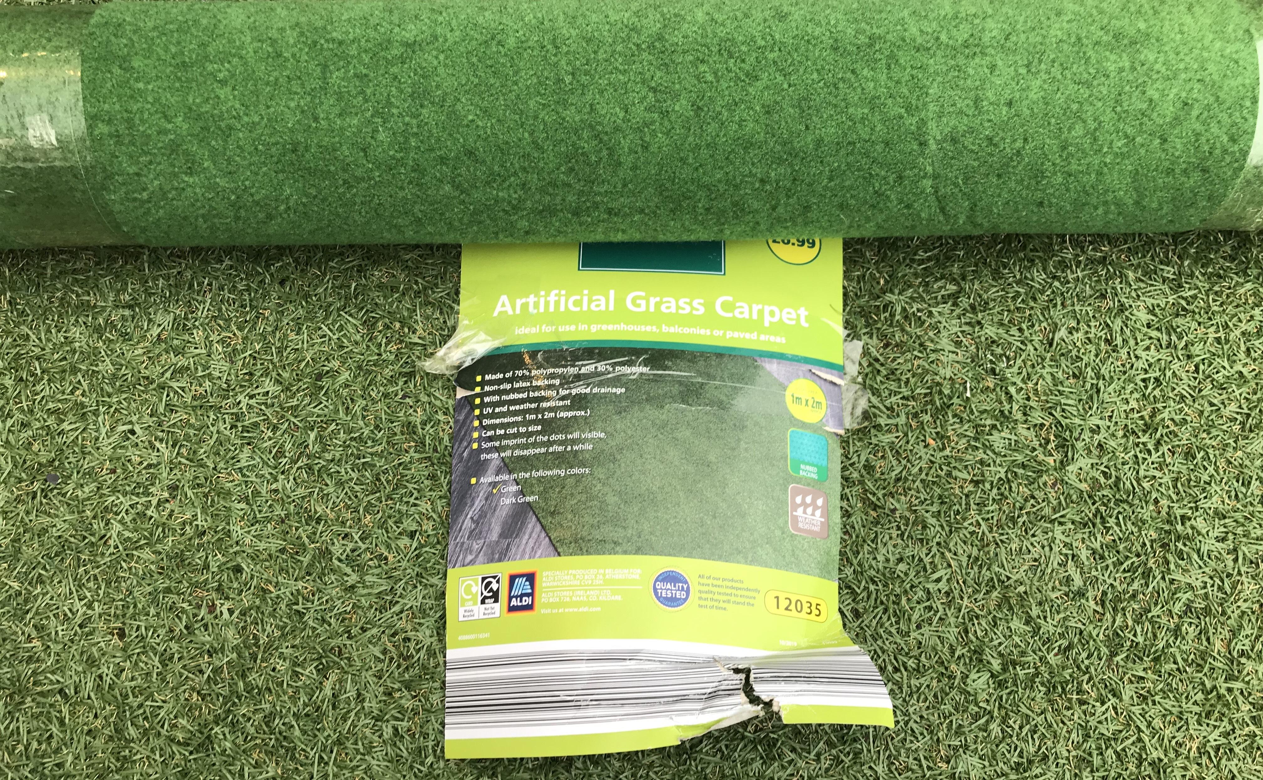ARTIFICIAL GRASS CARPET ALDI £6.99 PER ROLL