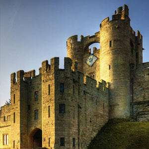 Midweek Hotel Stay + 2 Days Worth of Tickets + Breakfast for 2A + 2C from £73 (£18.25pp) @ Warwick Castle
