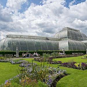 Entry to Kew Gardens AND Palace for Two Adults - £20 with code (£10pp) @ Red Letter Days