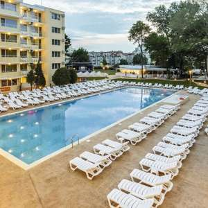 All Inclusive 7 nights Bulgaria May (2a /1c) inc hotel Rtn flights Gatwick, 15kg luggage & transfers £159.51pp (£478.40) @ First Choice