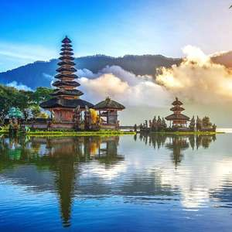 [Round the World trip] Visit Berlin / Singapore / Perth / Bali / Beijing / Los Angeles (September departure) £796 @ Various via Skyscanner