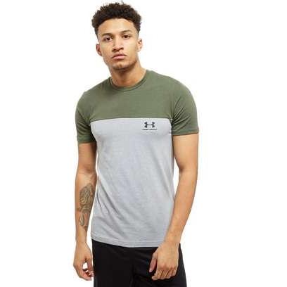 93b834ba Under Armour Colour Block T-Shirt - £15 + £3.99 delivery @ JD