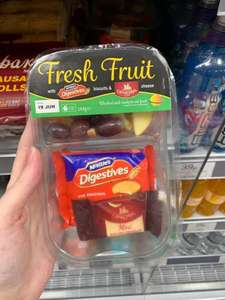 Fresh Fruit: Cheese & Biscuits pack 99p Home Bargains