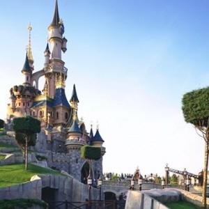 Free return Eurotunnel crossing Disneyland Paris breaks with Magic breaks plus up to 30% off hotels