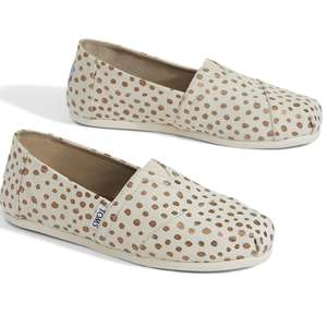 Up to 60% Off Outlet + Extra 25% Off with code + Free Delivery @ TOMS - Rose Gold Dots Classics (was £44) Now £13.20 delivered (more in OP)