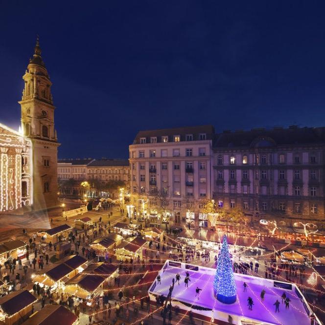 4 Nights Budapest Christmas Markets (December) - 3* Boat Hotel + LGW Return Flights  = £103pp (£207) @ Expedia