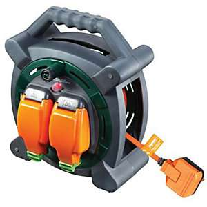 Masterplug Weatherproof Garden Extension Cable Reel - 20m 10A - £23 @ Wickes