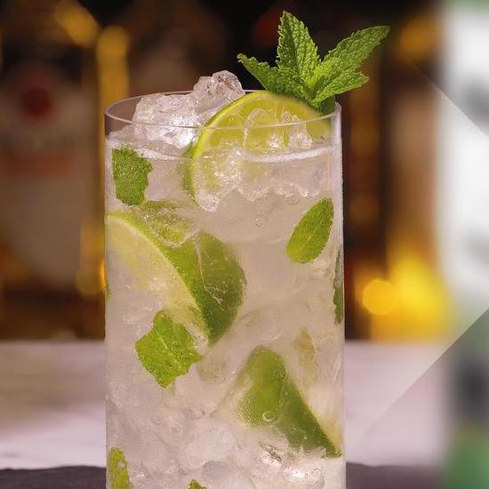 Free Bacardi spiced rum + coke or mojito at lots of bars e. G. Yates, Slug+Lettuce etc