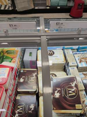 Magnum classic/white chocolate 4 pack £1.49 instore @ Home Bargains
