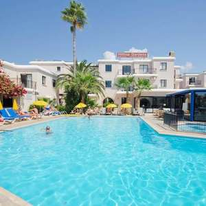 Hilltop Gardens Hotel Apartments, Paphos, Cyprus From Leeds: School Holidays 29 July 1 Week 2A 2C Holiday £238.50pp £954 Total @ Jet2