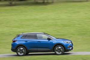 Vauxhall Grandland X 1.2T SE 5dr - 5000 Miles Car Lease - Initial Fee: £1,136.45 / 23m x £126.26 - Total Cost  £4,235.43 @ Jet vehicle finance