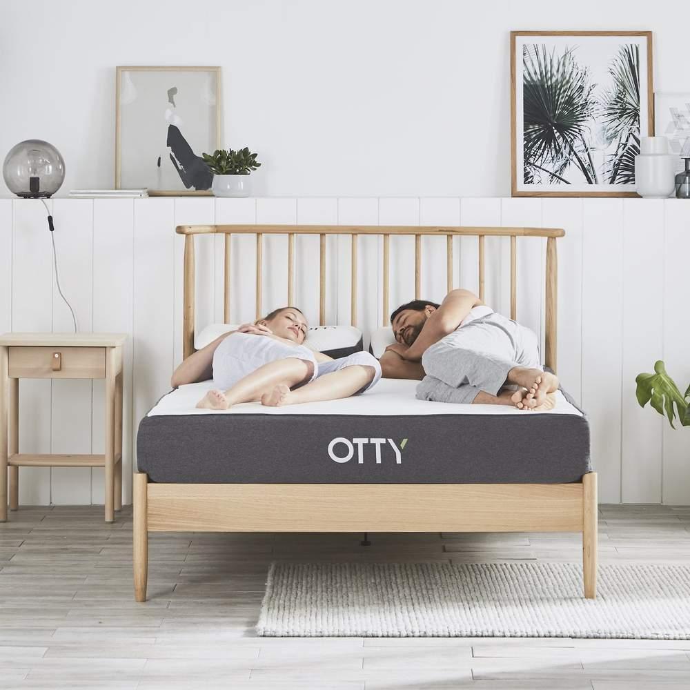 King Size OTTY Hybrid Mattress + 2 OTTY Deluxe Pillows £574.99 @ Otty Store
