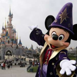 Disneyland Paris - Late Deals on disneyholidays.co.uk for Aug & Sept 2019 (free ferry crossing and €200 spending money)