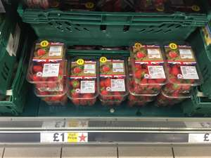 400grms strawberry box reduced to 1 pound instore @ Tesco Reading