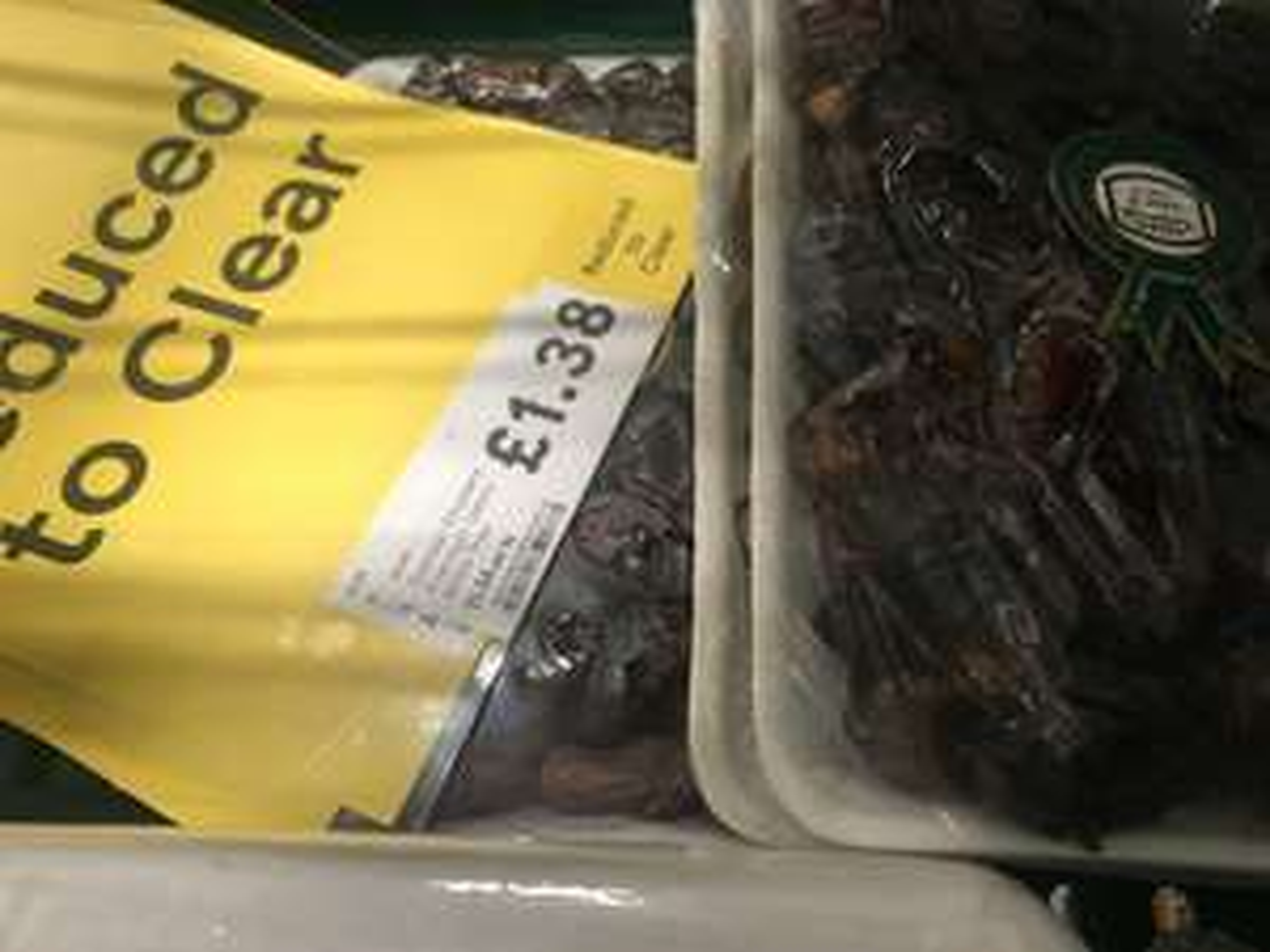 Khudary Dates 900g £1.38 at Tesco instore
