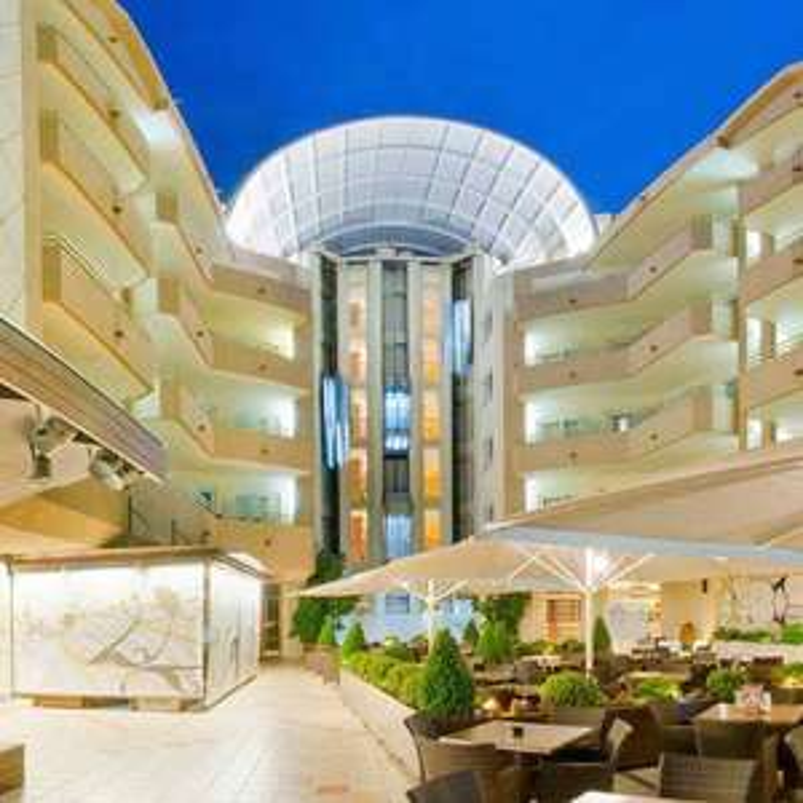 5 Nights Santa Susanna Spain 2 people October - 4* Hotel Half Board + Luton Rtn Flights = £212pp (£423 total) @ Voyage Prive