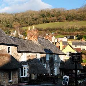 Two night Devon Branscombe getaway - Mason Arms with daily breakfast for 2 people £99 @ Travelzoo