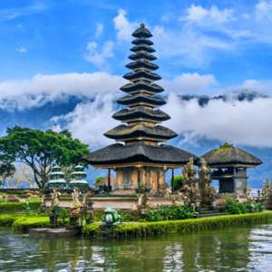 (Singapore Airlines / Helvetic) Return flight to Bali £352 (Departing Birmingham/ June departures/1 x 23kg checked bag)@ Skyscanner/FlySharp