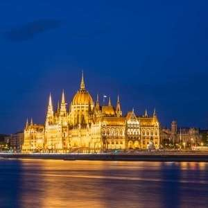2 nights for 2 People : Budapest Christmas Markets at £65 each (£129.72 total - min 2 pax) at a Choice of 4* Hotels with Flights @ Groupon