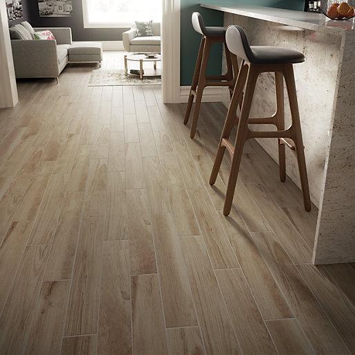 Wickes Selwood Light Oak Wood Effect Porcelain Tile £4.63 sqMtr (£5 per pack)