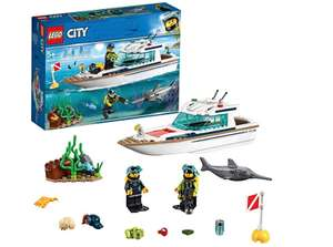 LEGO 60221 City Great Vehicles Diving Yacht Boat Toy with Diver Minifigures, Deep Sea Set £12.00 prime / £16.49 non prime @ Amazon