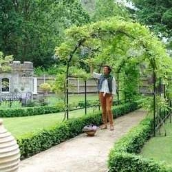 10% off Arches and pergolas with Voucher code @ Harrod Horticultural
