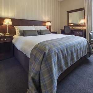 Perth: 1 Night for Two Including 3 Course Dinner, Breakfast, Wine, Whisky Tour, and Late Check-Out at The Salutation Hotel £63.20 @ Groupon
