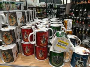 Harry Potter pattern mugs, Drink flasks, tumblers 75% off at Royston Tesco, Hertfordshire 50p