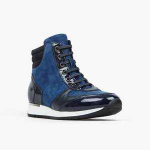 Extra 20% off The Outlet with voucher Code @ Shoe Embassy