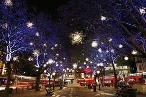 Christmas Lights Open Top Vintage Bus Tour for Two in London £17 @ Buyagift