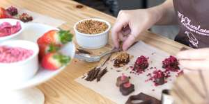 Learn the art of chocolate making at My Chocolate London for £30 per session @ Travel Zoo