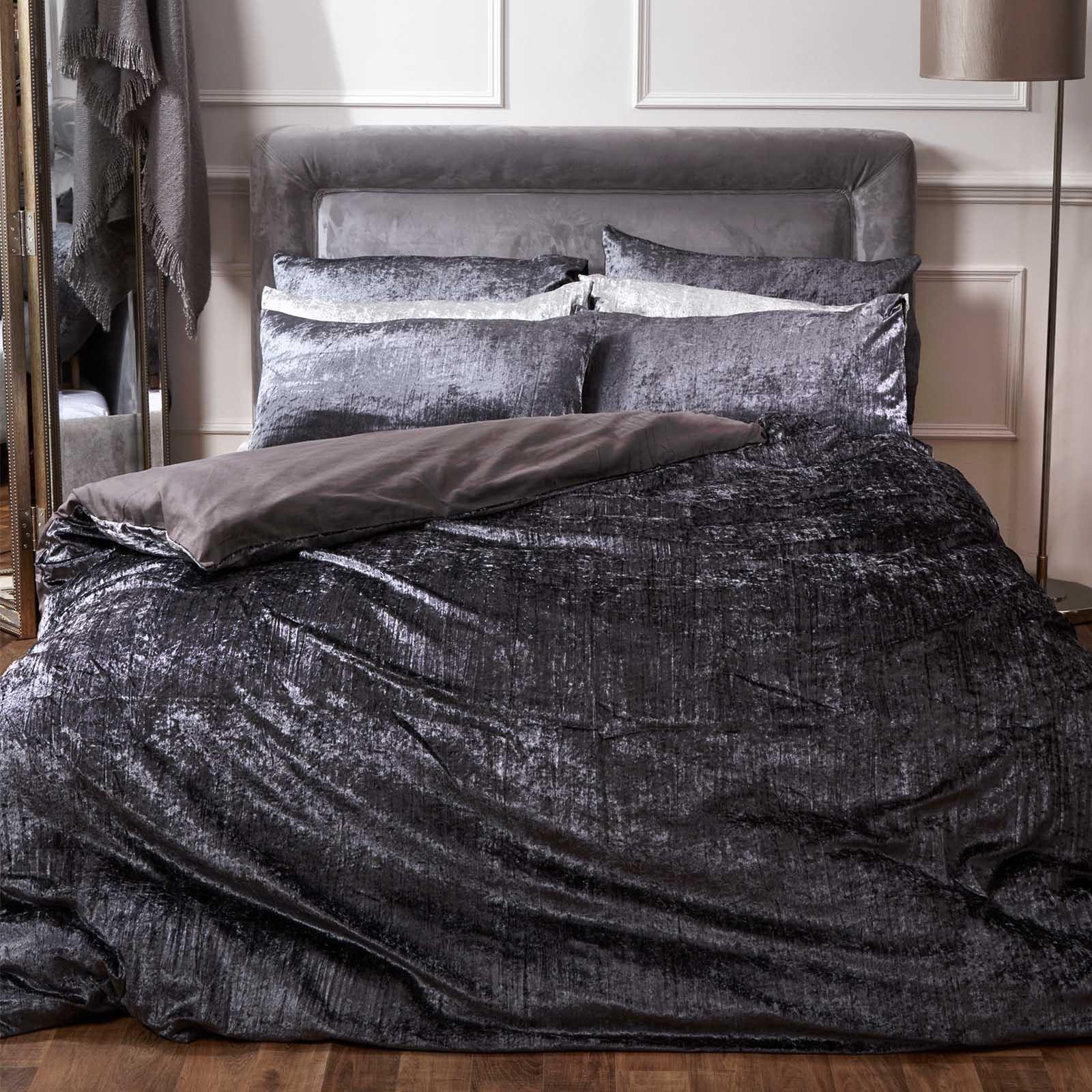 Sienna Crinkle Full Crushed Velvet Duvet Cover with 2 x Pillowcases Valencia Bedding Set (double) for £20.98 delivered @ Onlinehomeshop