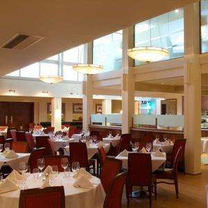 4-star Cambridgeshire break w/meals and wine at Travelzoo for £109