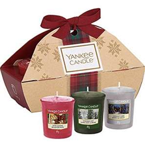 Yankee Candle Gift Set with 3 Scented Votive Candles, Alpine Christmas Collection, Festive Gift Box £3.99 (+£4.49 Non Prime) @ Amazon