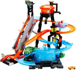 Hot Wheels FTB67 City Gator Car Wash Connectable Play Set with Diecast and Mini Toy Car £33.99 at Amazon