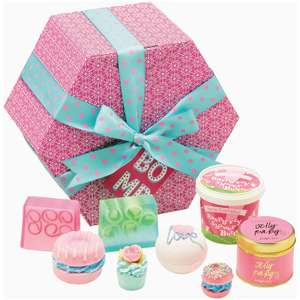 Bomb Cosmetics The Bomb Hat Gift Pack at I Want One Of the Those (using code) £7.78