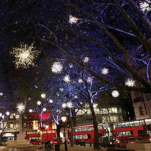 London Only - Free Travel on all TfL networks between 23:45 on New Year's Eve and 04:30 on New Year's Day @ TfL