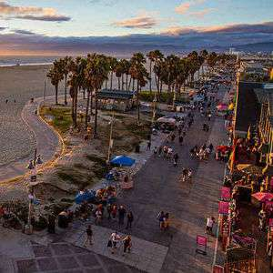 Direct Air New Zealand return flight to Los Angeles £275 (Departing LHR / Including 23kg luggage) @ Skyscanner / TravelTrolley