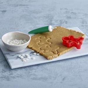 Greenvale Gingerbread dough kit only £1.99 @ Aldi - makes 14 gingerbread people with dough, decorations & cutter