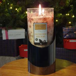 Yankee Candle Limited Edition Christmas Cookie Pillar and holder £10 / £9.50 with new account code @ Yankee Bundles