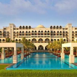 Jumeirah 5* Zabeel Saray £203 per night HB Sep 20 ( £102 pppn ) via Travel Republic