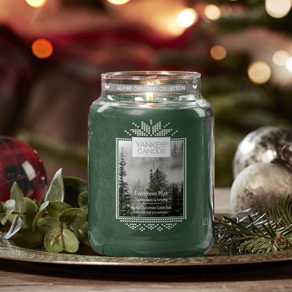 Evergreen Mist Classic Festive Signature 623g Large Jar candle for £10 @ Yankee Bundles