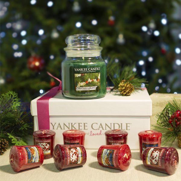 Yankee Candle 9 Piece Festive Collection 1x Christmas Garland Medium Jar & 8 Votives £10 Delivered @ Yankee Bundles