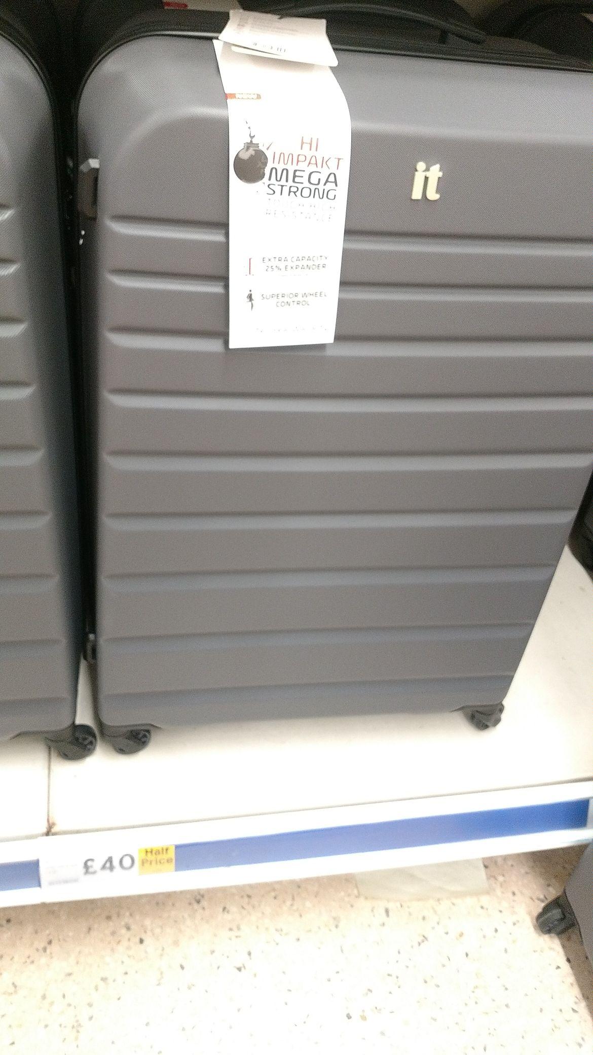 IT Luggage hard case £40 instore @ Tesco